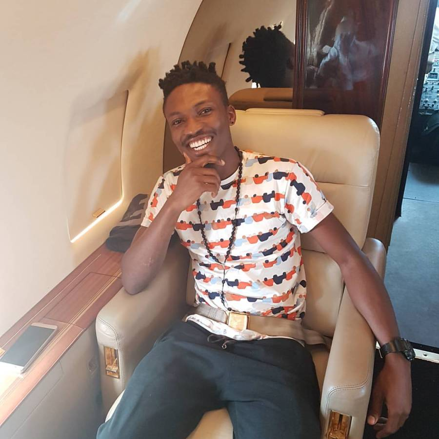 Efe was flown in a private jet toJos