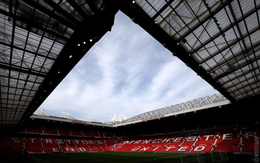 MUFC players will wear black armbands onSunday