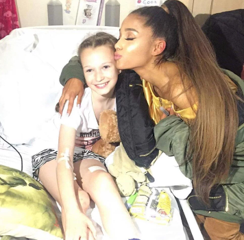 Ariana Grande visits victims of Manchester terror attack