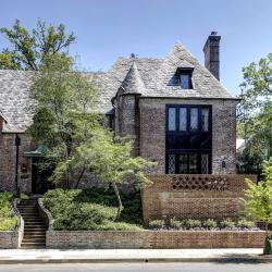 Obama buys $8.1 million House inDC