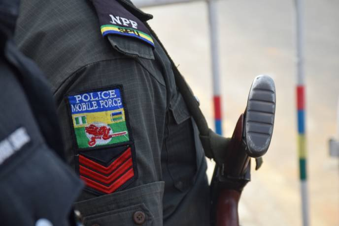 Man arrested for raping friend's 8 year-olddaughter