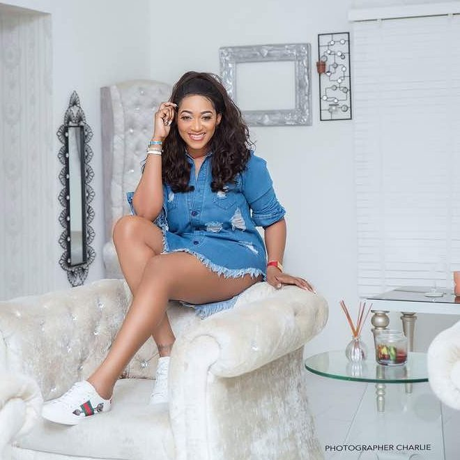 Lovely picture of Rukky Sanda as she celebrates birthday
