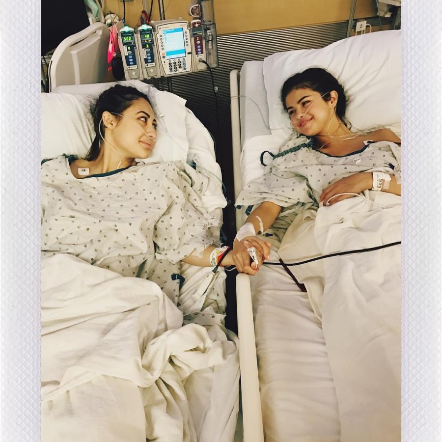 Selena Gomez suffered near fatal complication after kidneytransplant