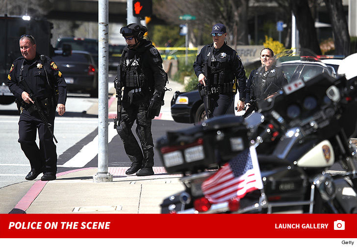 0403-youtube-shooting-police-on-the-scene-photos-5.jpg