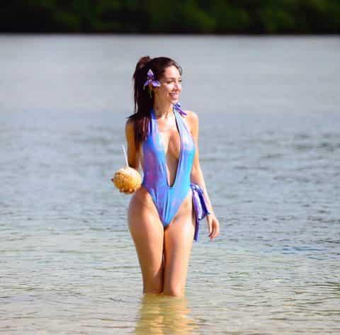 farrah-abraham-bikini-fiji-photos-05-480w