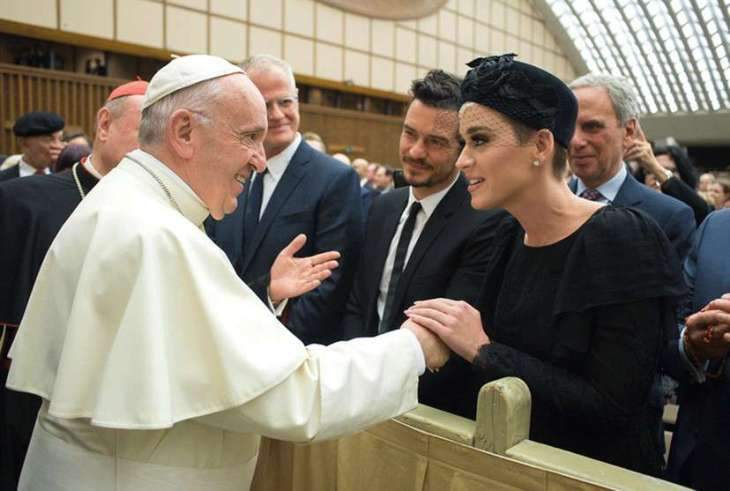 rs_1520x1024-180428130832-1024-katy-perry-orlando-bloom-pope-francis-042818